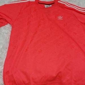 Adidas logo allover tee